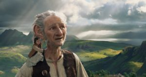 Ruby Barnhill and Mark Rylance in THE BFG