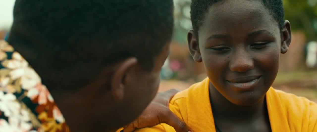 David Oyelowo and Madina Nalwanga in QUEEN OF KATWE