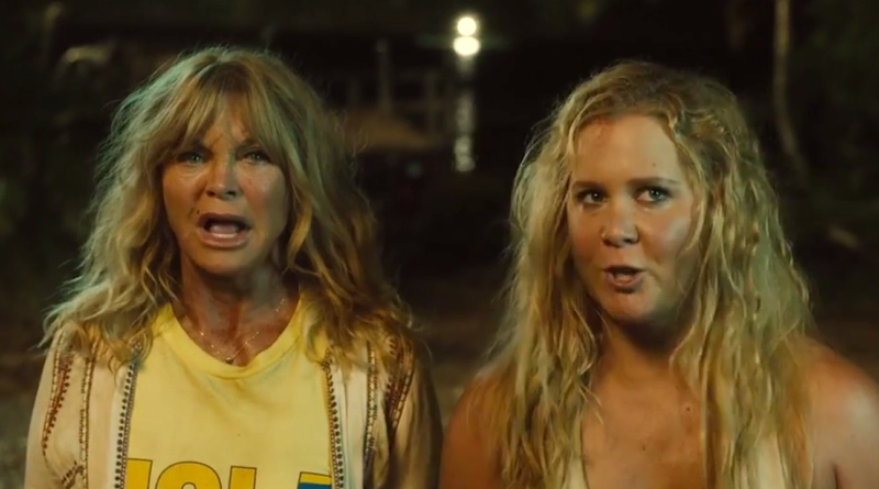 Goldie Hawn and Amy Schumer in SNATCHED.